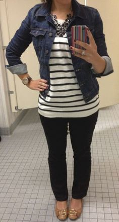 navy blue black outfit ideas Pretty Little Things: Black Stripes and Blue Jean jacket CAbi striped top and jean jacket Blazer Outfit, Pullover Outfit, Teaching Outfits, Mode Jeans, Neue Outfits, Blue Jean Jacket, Striped Jeans, Striped Tops, Work Attire