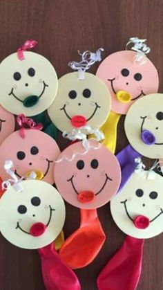Fun ideas for using balloons in crafts Eid Crafts, Easy Paper Crafts, Diy Arts And Crafts, Diy Crafts For Kids, Gifts For Kids, Art For Kids, Diy Niños Manualidades, Circus Crafts, School Decorations