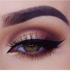 Easy burgundy brown cut crease