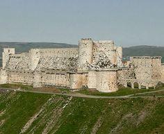 O Krak dos Cavaleiros, localiza-se na cidade de Homs, na Síria. Foi erguido nos séculos 17 e 18 pelos Cruzados, para servir de fortaleza aos 'Reinos Latinos do Oriente'. Foi classificado como Patrimônio Mundial da Unesco desde 2006. É aberto à visitação.