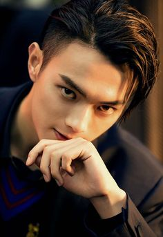 Сюй Кай / Xu Kai - talent and beauty - Belleza Handsome Asian Men, Hot Asian Men, Handsome Boys, Asian Celebrities, Asian Actors, Korean Actors, Academia Militar, Copacabana Palace, Military Academy