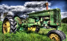 It's a big John Deere!Not so Big at all.Its just a dbrhp JOhn Deere MT Vintage Tractors, Old Tractors, John Deere Tractors, John Deere Equipment, Heavy Equipment, John John, Tractor Pulling, Hdr Photography, Infrared Photography