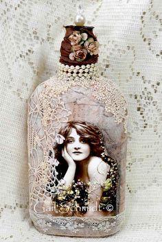 Измененные искусства бутылки, Потертый Chic Коттедж Искусство бутылки: