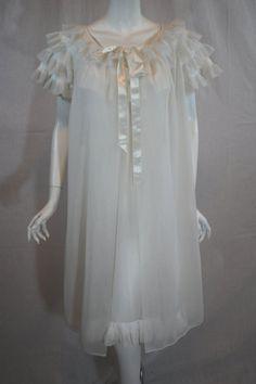 Vanity Fair White Peignoir Set, 32 Small, Double Nylon with Rumba Perma Pleating Vanity Fair Lingerie, Retro Lingerie, Beautiful Lingerie, Beautiful Gowns, Vintage Dresses, Vintage Outfits, Vintage Nightgown, 1950s Fashion, Vintage Fashion