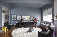 Um apartamento decorado com todos os estilos
