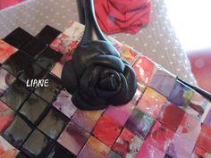Sac recyclé à la rose noire, Création et réalisation LIANE