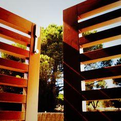 Portones de madera Iscletec