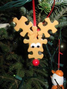 Reindeer puzzle pieces