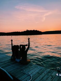 See more of pureluxuriess's content on VSCO. Cute Friend Pictures, Best Friend Pictures, Lake Pictures, Summer Pictures, Summer Nights, Summer Vibes, Besties, Bestfriends, Summer Goals