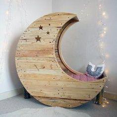 """""""Moon"""" Cradle"""