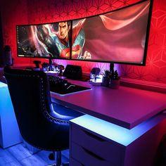 Gamer Setup, Gaming Room Setup, Gamer Room, Pc Gamer, Japan Room, Green Computing, Gaming Computer Desk, Custom Desk, Video Game Rooms