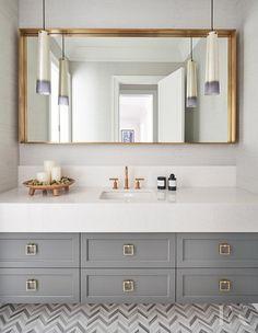 Bathroom decor for your master bathroom renovation. Discover bathroom organization, bathroom decor tips, master bathroom tile tips, bathroom paint colors, and more. Bathroom Layout, Modern Bathroom Design, Bathroom Interior Design, Bathroom Ideas, Bathroom Organization, Minimal Bathroom, Bathroom Storage, Tile Layout, Modern Bathrooms