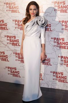 Angelina Jolie in Ralph & Russo--wouldn't this be a gorg wedding gown? Ralph & Russo, Most Beautiful Dresses, Nice Dresses, Prom Dresses, Dresses 2016, Jenny Packham, Lany, Celebrity Dresses, Celebrity Style
