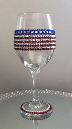 Glitter Wine Glasses, Painted Wine Glasses, Rhinestone Crafts, Wine Glass Crafts, July Crafts, Raw Materials, American History, Diy Gifts, Gifts For Him