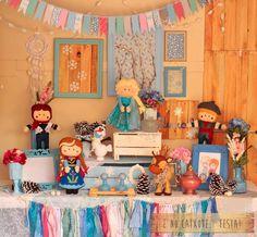 Esta foi a Festa Frozen para a Olivia.     Festa Tamanho Grande para comemorar o Terceiro Aninho dela.     Bonecos com Tamanho de 32cm     ...