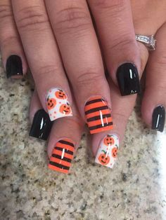 Pumpkin 🎃 nails – Pumpkin 🎃 nails More from my site Halloween nails. Black and white nails. Pumpkin color nails – 22 Fall Nail Designs To Spice Up Your Look nail art Unisex Make-Up, Gesichtswasser und Körperfarbe French Tip Nail Designs, Holiday Nail Designs, Fall Nail Art Designs, Halloween Nail Designs, Holiday Nail Art, Halloween Nail Art, Holloween Nails, Halloween Halloween, Fancy Nails