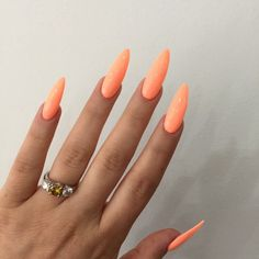 I don't like long nails but I love the color!!!