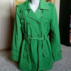 """Calvin Klein Green Trench Coat Perfect for the spring! In excellent condition and worn only a handful of times.  No flaws. Just don't wear it as much as I would like. Almost a Kelly green color. Approximately 30"""" in length. Calvin Klein Jackets & Coats Trench Coats"""