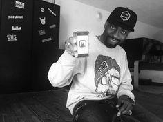 """Se supporti Blackson commenta con """"BLACKSON+"""" questo post! Halfa Ep è il quarto prodotto pubblicato dall'etichetta Bresciana Mancamelanina Records.  Ora in distribuzione per BM RECORDS. Protagonista di questo progetto musicale è il rapper Italo-ghanese Blackson, al secolo Emmanuel Simpson (Classe 87)  Molti di voi conosceranno Blackson per le sue esperienze televisive a MTV Spit ed Italia's Got Talent Official, quello che probabilmente non conoscete ancora è la grinta e la..."""