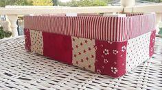 flor de minuto: Como forrar una caja de fresas Decoupage, Fruit Box, Art N Craft, Wooden Crates, Fabric Paper, Diy Arts And Crafts, Tissue Boxes, Outdoor Furniture, Outdoor Decor