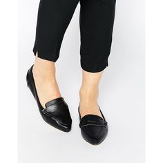 Truffle Collection Stella Point Flat Shoes (155 BRL) ❤ liked on Polyvore featuring shoes, flats, black pu, black pointed flats, pointy shoes, black pointy flats, flat pointy shoes and pointed flats