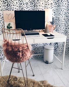 Chic home office work space Cute Office Decor, Desk Inspiration, Aesthetic Room Decor, Office Interior Design, Shabby Chic Homes, My New Room, Decorating Your Home, Bedroom Decor, Bedroom Ideas