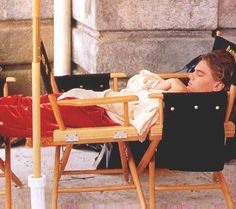 Taking a nap on set of The Man In The Iron Mask Leonardo DiCaprio Gabriel Byrne, John Malkovich, Metro Goldwyn Mayer, Leonardo Dicapro, Young Leonardo Dicaprio, Titanic Movie, King Of The World, Thing 1, Music Tv