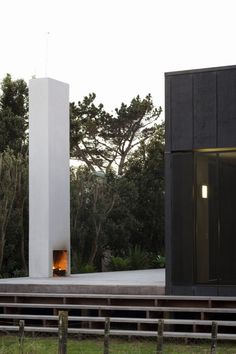 Sandhills Road House / Fearon Hay Architects- freestanding fireplace on patio.