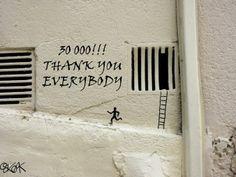 ブルース・リーがフランスで鉄柵に飛び蹴り&破壊!ストリートアート by OAKOAK