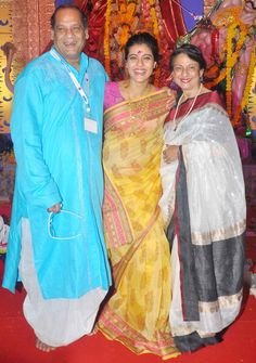 Deb Mukherjee, Kajol and Tanuja at a Durga Puja pandal in Mumbai. #Bollywood #Fashion #Style #Beauty