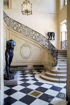 I have been up this very staircase! Front staircase in l'Hotel Biron, Musee Rodin, Paris France. Luxury Staircase, Grand Staircase, Staircase Design, Wrought Iron Staircase, Double Staircase, Architecture Details, Interior Architecture, Interior And Exterior, Musée Rodin
