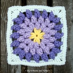 Blooming violet square ~ Free pattern from Dly's Hooks and Yarns