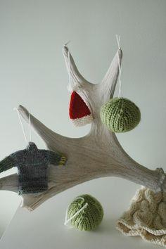 Easy DIY Christmas ornament knitting pattern