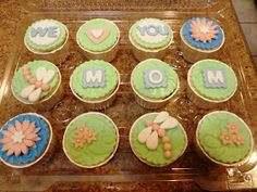 Adventures in Cupcaking: Mother's Day Cupcakes