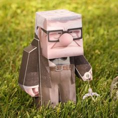 Free printable 3D Disney Pixar UP Carl character. Crafts for kids.
