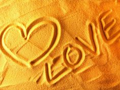 hearts love sand (to get full size image visit the site)