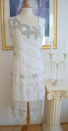 the great gatsby dresses for sale Flapper Dresses For Sale, Great Gatsby Dresses, Beaded Flapper Dress, Vintage Inspired Wedding Dresses, 1920s Dress, Vintage Dresses, Vintage Outfits, Vintage Fashion, Wedding Vintage