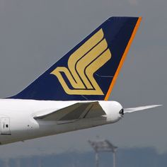 Singapore Airlines Boeing 747-412 9V-SPP