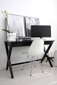 Acrylic Home Office Desks For Your Interior Design Furniture Designs A typical acrylic desk is seen as a beautiful space saver and can provide the right ambiance in any room. The common type of acrylic desks include the.