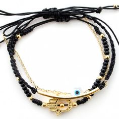 Accesorios para mujer - Mano Hamsa para la proteccion. Espectacular set de 3 pulseras elaboradas a mano con dije en mano Hamsa, ojo turco, mostacillas, balines y cadena.