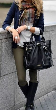 olive skinnies, black boots, plaid scarf and navy cardigan, outfit I love everything about this! I need this to pair with my olive skinnies! Winter Fashion Casual, Casual Winter, Fall Winter Outfits, Autumn Winter Fashion, Winter Style, Winter Chic, Autumn Style, Casual Summer, Spring Style