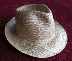 Lauhala papale (hat).