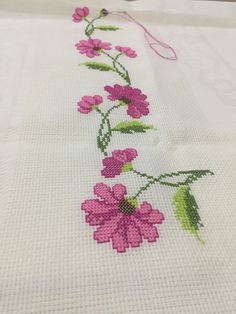 Beaded Cross Stitch, Cross Stitch Rose, Cross Stitch Borders, Cross Stitch Flowers, Cross Stitch Charts, Cross Stitch Embroidery, Cross Stitch Patterns, Floral Embroidery, Hand Embroidery