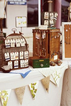 I love this craft show set up, very artfully done!  kylie parry studios: June Art Market 2012