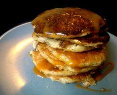 Når der hverken er hvedemel eller enorme mængder smør og sukker i en pandekage, kan man sandelig tale om en sund variant. Indrømmet; de syndige versioner er MEGET lækrere, men når nu man ikke kan l…