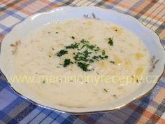 Couračka 200 g kysaného zelí, 400 ml mléka, 200 ml smetany, 200 g brambor, 2 lžíce másla, 1 lžíce hladké mouky, sůl, kmín