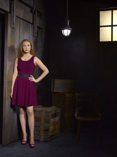 Molly Quinn - love the pink on her!