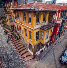 Balat- İstanbul By ilkinkaracan Turkish Architecture, Architecture Design, Orient House, Flatiron Building, Photo Corners, Turkey Travel, Urban City, Road Trip Usa, Istanbul Turkey