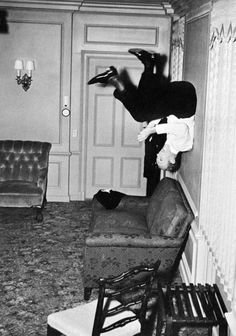 Fred Astaire in Royal Wedding.    (via pickurselfup)           (originally from theconstantbuzz)