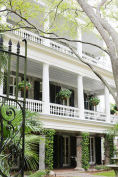 Beautiful historic Charleston, SC. Looking to find your own slice of paradise in Charleston, SC? Find your dream home at wwww.yourcharlestonhousesearch.com